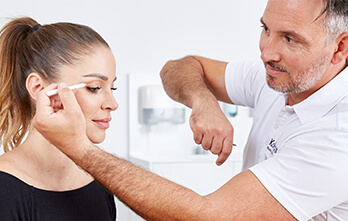 Augenlidstraffung Oberlider – die Kosten. Augenliderstraffung Preis, Schlupflider OP Kosten
