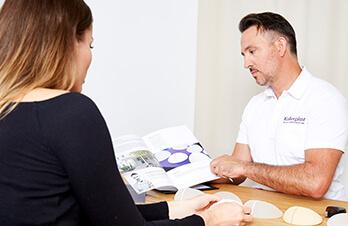 Bruststraffung – vor dem Eingriff / OP. Brüste straffen in Linz Dr. Koller