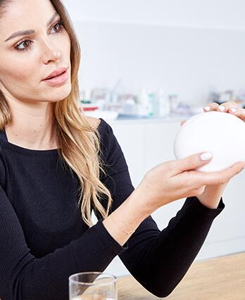 Brustvergrößerung Sportlerinnen minimale Ausfallszeit, ultra Leicht Brust Implantaten bei Experten für Brustvergrößerung in Österreich