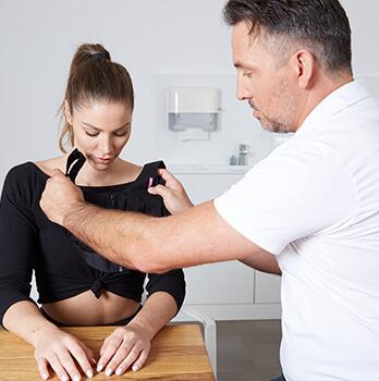 Brustverkleinerung – nach der Operation. Brüste verkleinern Linz Dr. Koller