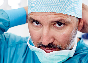 Schönheitschirurgie – über 10 Jahre Erfahrung und tausende Operationen. Dr. Koller ist Schönheitschirurg, Plastischer Chirurg in Linz