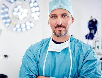 Schönheitsoperationen – über 10 Jahre Erfahrung und tausende Eingriffe. Dr. Koller ist Plastischer Chirurg. Operateur in Linz