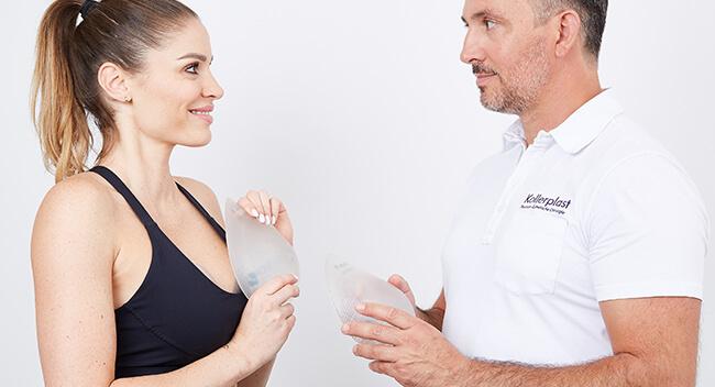 Brustvergrößerung Sportlerinnen Dr. med. Matthias Koller. Brust Vergrößerung Sportlerin B-Lite Implantate von Dr. Koller in Linz. Dr. Koller ist Experte für Brust vergrößern bei Sportlerinnen