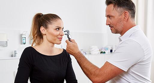 Ambulante Nasenkorrektur in Linz vom Schönheitschirurgen Dr. Koller
