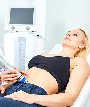 Die fokussiert-radiale Stoßwellentherapie bei Kollerplast bringt in jedem Cellulite Stadium beste Ergebnisse