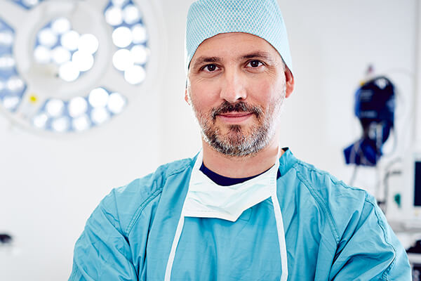 Dr. Koller - Heute blickt Dr. Koller bereits auf mehrere Tausend plastische Operationen zurück.