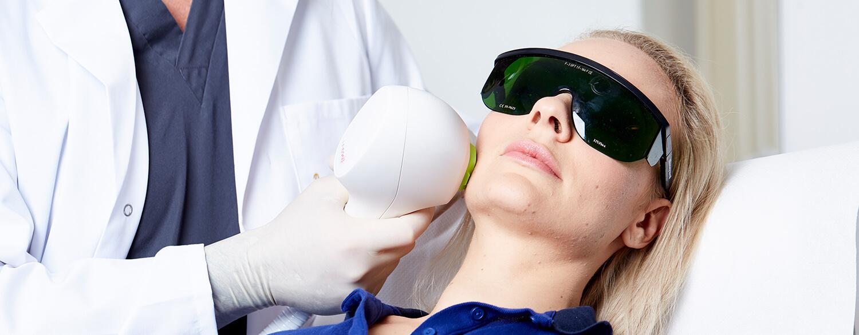 Laser Haarentfernung Linz. IPL Laser für dauerhafte Haarentfernung. Medizinischer IPL Laser. Haare weglasern, Haare entfernen.
