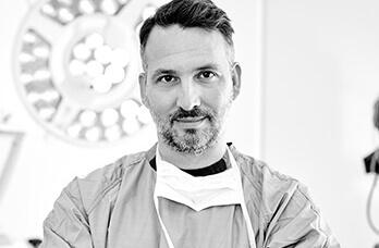 Nasenkorrektur, die Operation. Nasenoperation, Nasen OP Linz beim Plastischen Chirurgen Dr. Koller