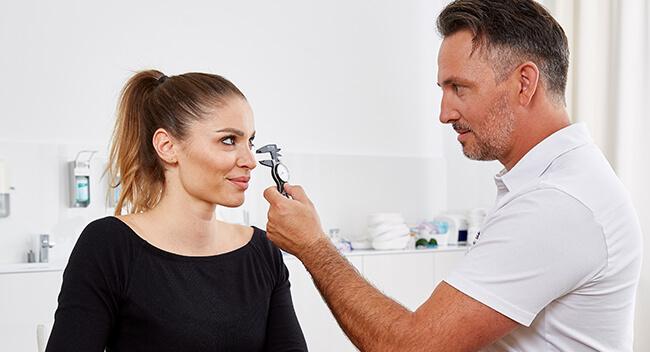 Nasenkorrektur & Nasenoperation in Linz - Nasen OP. Nasenspezialist Dr. Koller in Linz. Nasenkorrektur ohne Tamponade