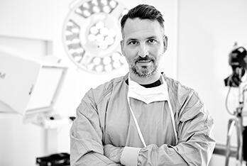Plastische Chirurgie Linz Behandlungen. Dr. Koller ist Experte für Plastische Chirurgie in Linz. Schönheitschirurg