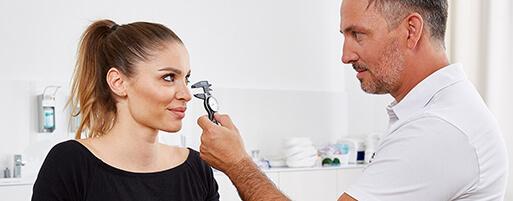 Schönheitschirurg Nasenkorrektur Linz. Korrektur eines Nasenhöckers ohne brechen der Nase. Nasen Korrektur Linz