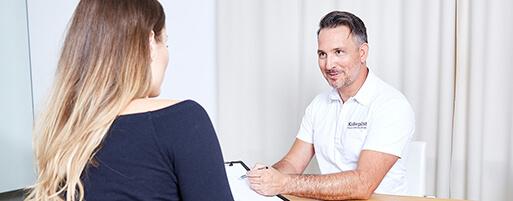 Schönheitschirurg Straffungsoperationen Linz wie Oberarmstraffung, Oberschenkelstraffung, Bauchdeckenstraffung, Bodylift vom Experten Dr. Koller in 4020 Linz