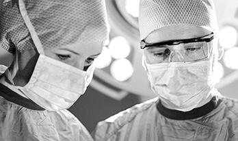 Operatives Prinzip: Schonung der Lymphgefäße Dr. Koller. Experte für Straffungsoperationen in Oberösterreich